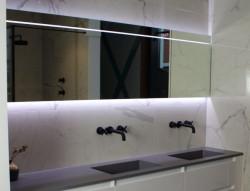 Flavio Maatwerk Spiegel met LED indirect onder - LED balk direct boven - sensorschakelaar onder 1208889592