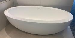 Solid-S Torino solid surface vrijstaand ligbad 188x103x56cm mat wit 1208919597 sfeer 2